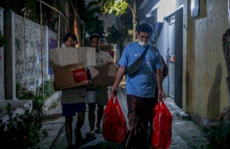 5 Potret Berbagi Ramadan dari Ilkay Guendogan ke Fans Tanah Air, Menginspirasi - Foto 4