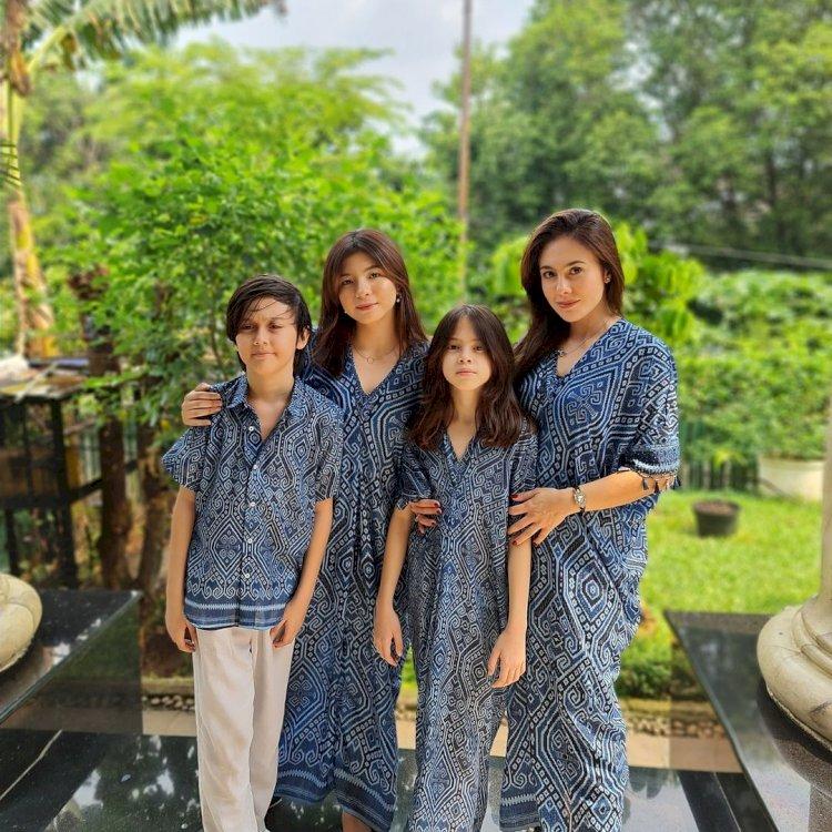 Outfit Kece 10 Keluarga Artis saat Lebaran, Siapa Paling Cetar -  Foto 7