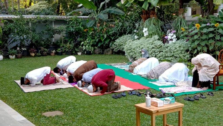 Kesederhanaan Puasa Ramadhan dan Lebaran Ketua Dewan Komisioner OJK - Foto 2