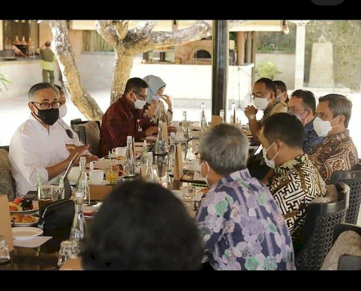 Work from Bali, OJK Dorong Potensi Lokal Jadi Pilar Baru Perekonomian Pulau Dewata - Foto 1