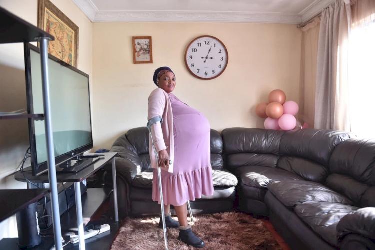 Pecah Rekor Dunia, Ibu Afrika Selatan ini Lahirkan 10 Bayi - Foto 2