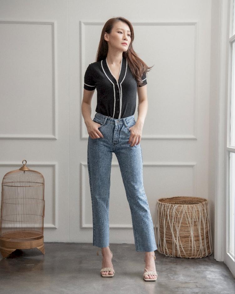 Hai Girl, Ini 5 Celana Jeans Paling Kekinian 2021 - Foto 1