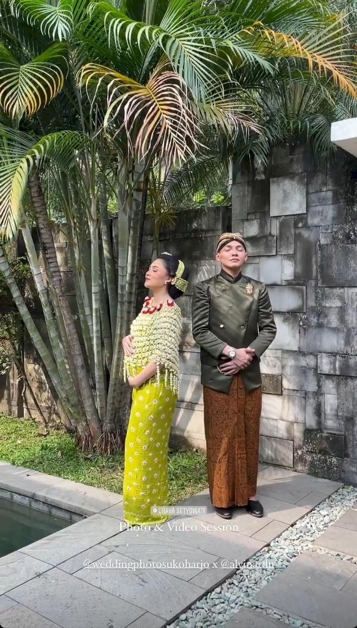 5 Potret Meriah Acara Syukuran 7 Bulan Kehamilan Nella Kharisma - Foto 1