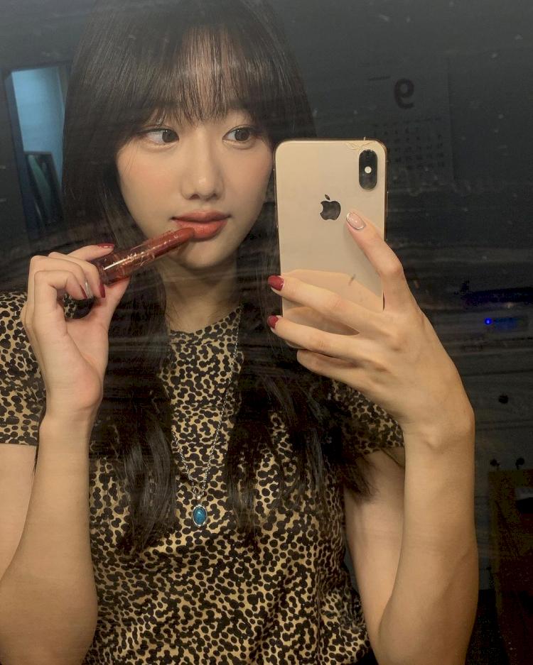 5 Potret Naeun April saat Selfie, Cantik Abis - Foto 3