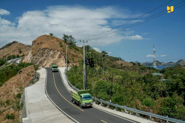 Trotoar Premium Dibangun di Labuan Bajo, Tengok Penampakannya - Foto 2