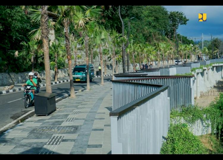 Trotoar Premium Dibangun di Labuan Bajo, Tengok Penampakannya - Foto 1