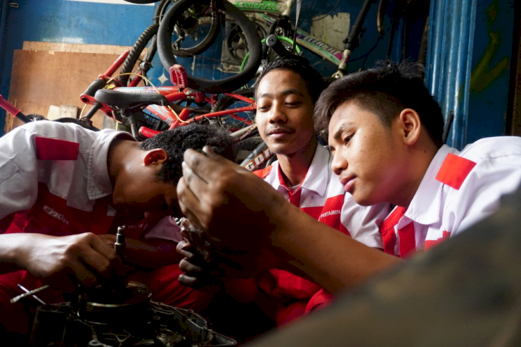 Tingkatkan Komitmen ESG, Pertamina Terus Perkuat Program CSR di 4 Pilar - Foto 1