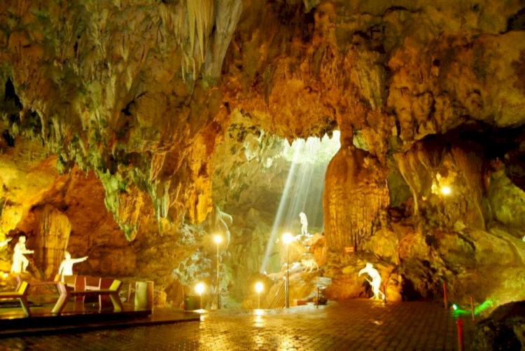5 Tempat Wisata di Jawa Tengah yang Wajib Kamu Kunjungi - Foto 4
