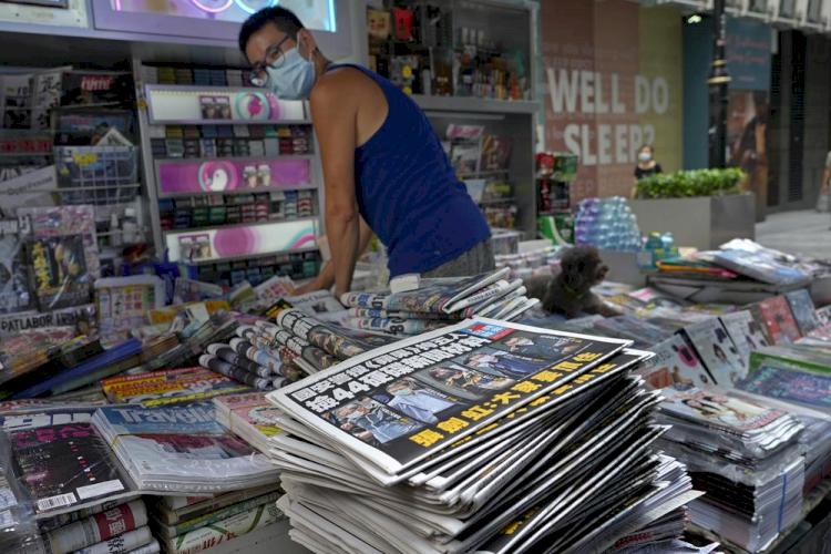 Tak Gentar Digerebek Polisi, Media Prodemokrasi Hong Kong Naikkan Oplah Korannya 6 Kali Lipat - Foto 2