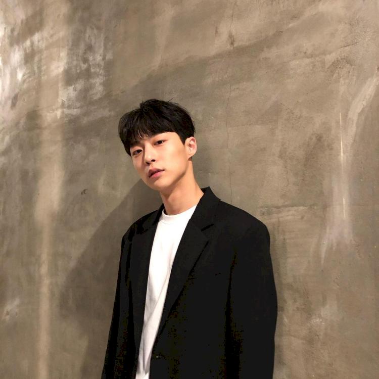 7 Potret Bae In-hyuk, Aktor Rookie yang Tengah Naik Daun - Foto 6