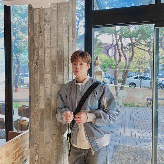 7 Potret Ganteng Dawon SF9, Jadi Adik Park Bo-young di Doom at Your Service - Foto 1