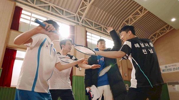 5 Potret Keakraban Bintang Racket Boys di Balik Layar, Kompak Abis - Foto 4