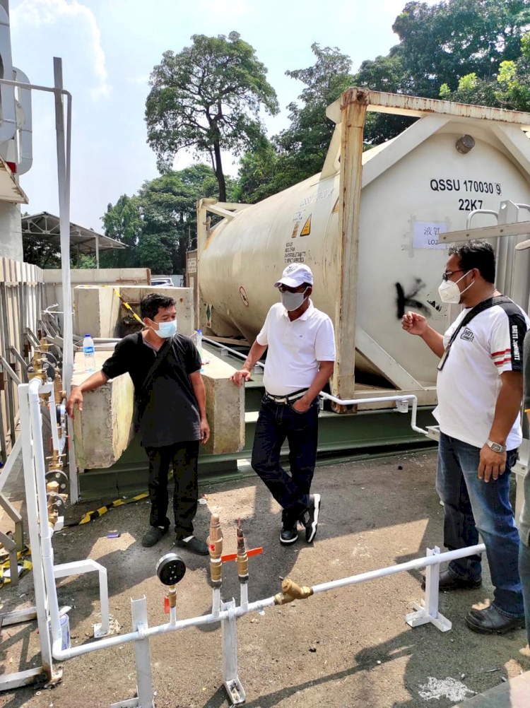 Direktur Pertamina Pantau Kesiapan Pertamedika di RS Darurat Covid Asrama Haji - Foto 1