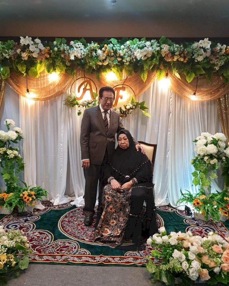 5 Potret Kebersamaan Anwar Fuady dan Istri yang Kini Tinggal Kenangan - Foto 5