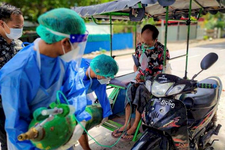 Miris Militer Myanmar Diduga Penjarakan Sejumlah Dokter saat COVID-19 Merajalela - Foto 1