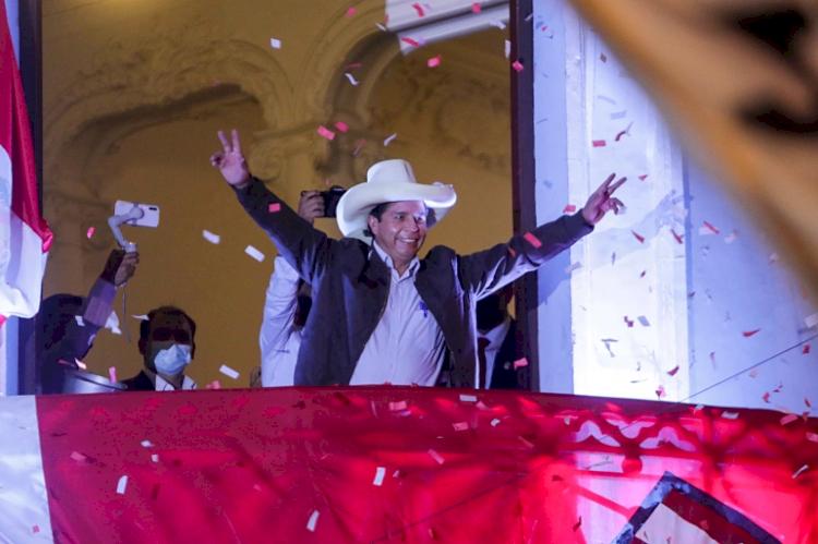 Dinobatkan Jadi Presiden Miskin Pertama Peru, 5 Fakta Menarik Pedro Castillo - Foto 5