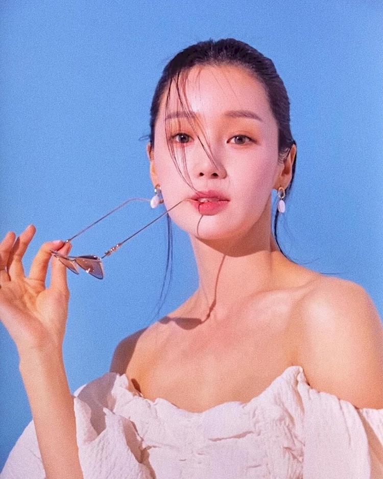 7 Potret Menawan Nam Gyu-ri yang Kian Awet Muda di Usia 37 tahun - Foto 3