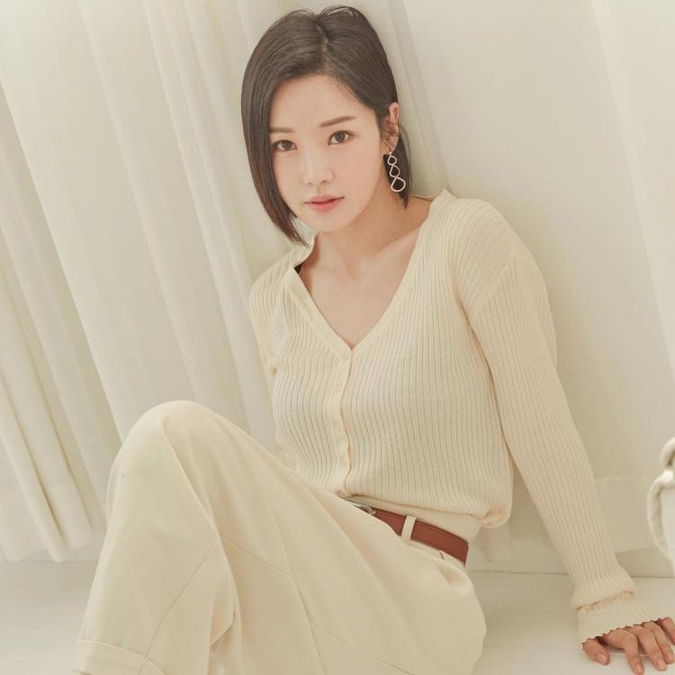 7 Potret Menawan Nam Gyu-ri yang Kian Awet Muda di Usia 37 tahun - Foto 4