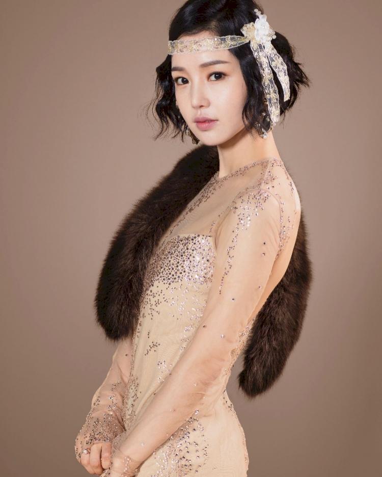 7 Potret Menawan Nam Gyu-ri yang Kian Awet Muda di Usia 37 tahun - Foto 2