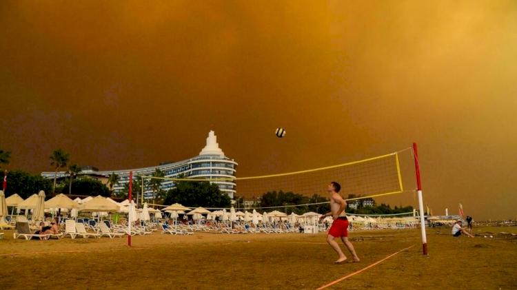 Turki Dilanda Kebakaran Hebat, 3 Tewas, Ratusan Luka-luka, Ribuan Domba Mati - Foto 1