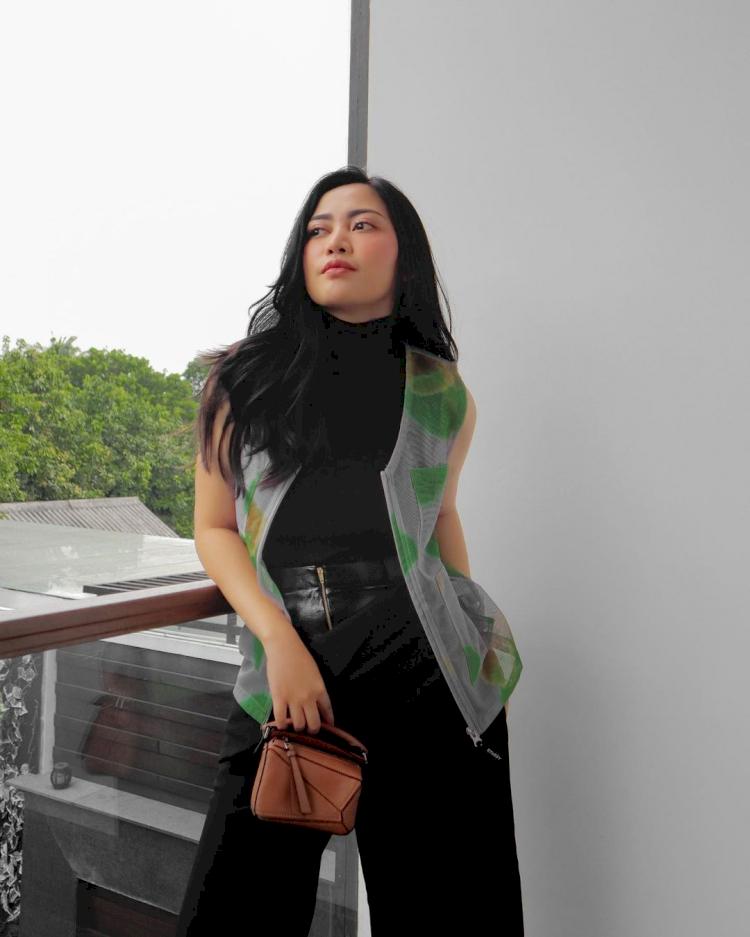 7 Potret Rachel Vennya Makin Stunning dengan Penampilan Baru - Foto 6