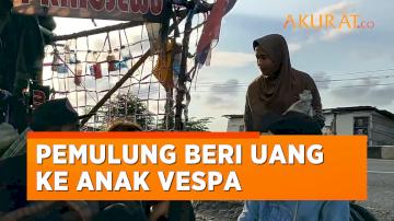Aksi Dermawan Pemulung Beri Uang ke Anak Vespa yang Nongkrong di Jalan, Bikin Haru