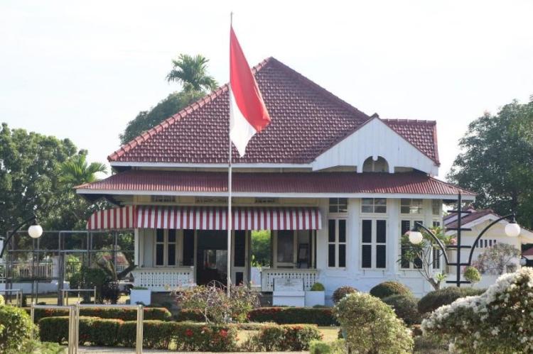 Intip Rumah Pengasingan  Ir. Soekarno di Bengkulu, Saksi Bisu Perjuangan dan Kisah Cinta - Foto 1