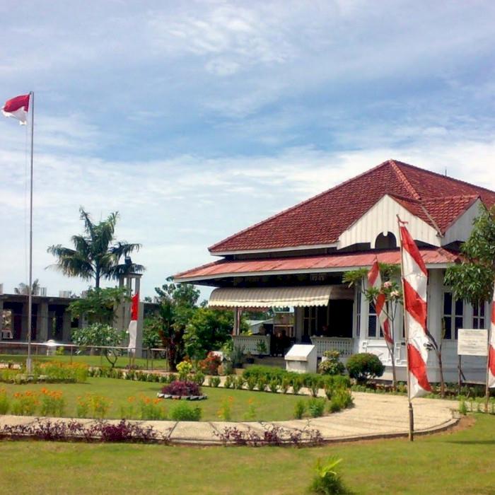 Intip Rumah Pengasingan  Ir. Soekarno di Bengkulu, Saksi Bisu Perjuangan dan Kisah Cinta - Foto 3
