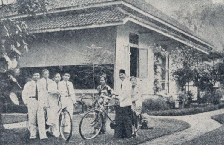 Intip Rumah Pengasingan  Ir. Soekarno di Bengkulu, Saksi Bisu Perjuangan dan Kisah Cinta - Foto 6