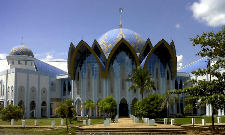 Wow Ini Dia Empat Masjid Termegah di Kalimantan, Salah Satunya Ada yang Terbesar di Indonesia Lho - Foto 2