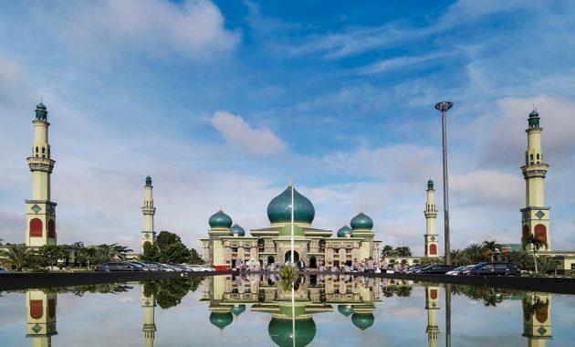 Melihat Masjid-Masjid Megah di Provinsi Riau, Ada yang Terbesar di Indonesia Lho - Foto 1
