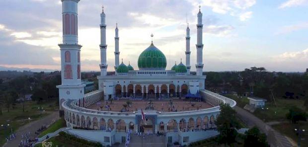 Melihat Masjid-Masjid Megah di Provinsi Riau, Ada yang Terbesar di Indonesia Lho - Foto 2