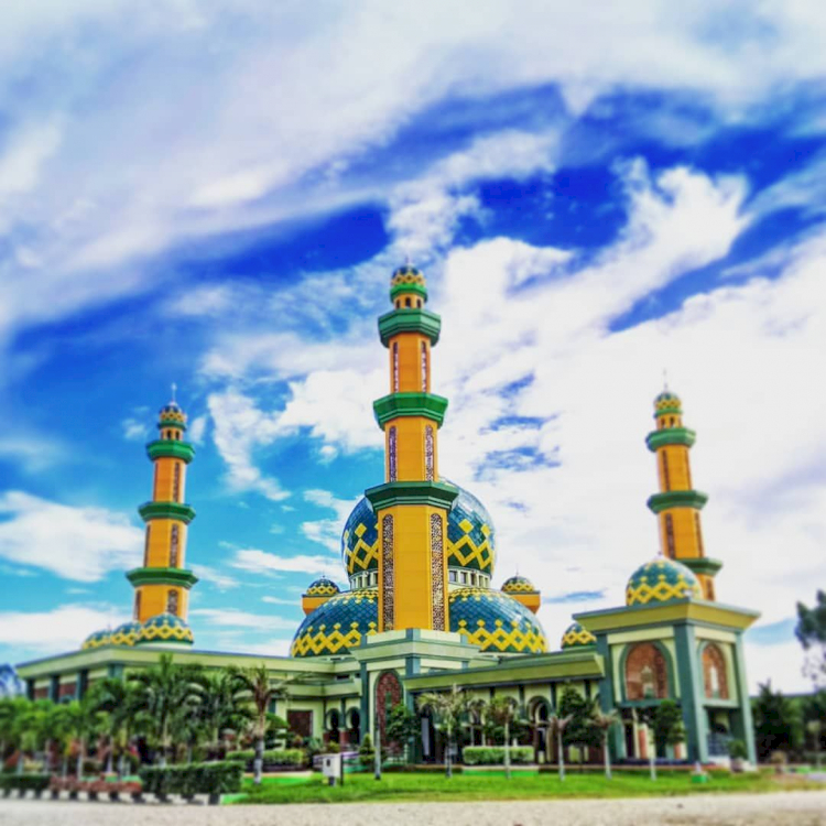 Melihat Masjid-Masjid Megah di Provinsi Riau, Ada yang Terbesar di Indonesia Lho - Foto 3