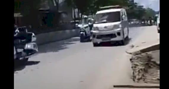 Balap Iring-iringan Presiden, Sopir Ambulans Terharu Jokowi Buka Kaca dan Lambaikan Tangan