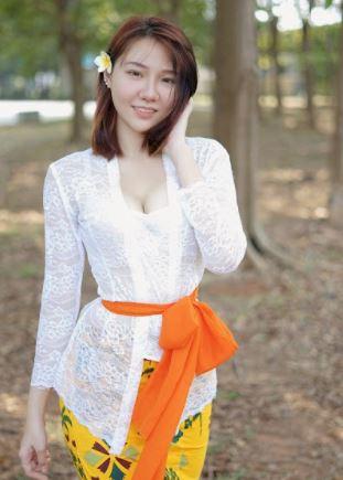 Potret Mempesona Jena, Gamer Cantik yang Sukses di YouTube - Foto 5