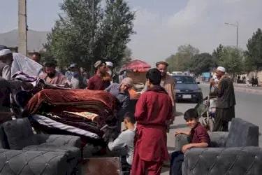 Krisis Ekonomi Afganistan Mulai Terasa, Warga Ramai-ramai Jual Perabotan demi Sesuap Nasi - Foto 1