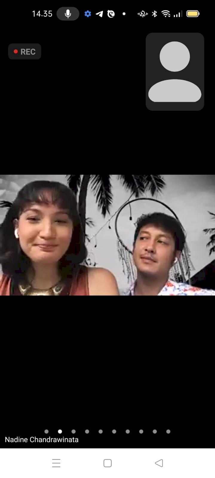 Nadine Chandrawinata Tengah Hamil, Dimas Anggara Berikan Perhatian - Foto 1