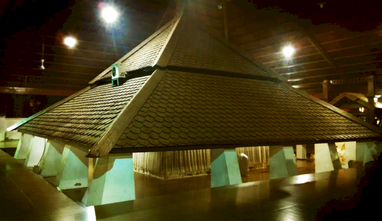 Inilah 7 Destinasi Wisata Religi Favorit di Jawa Tengah yang Wajib Dikunjungi, Sudah Pernah Kesini - Foto 4