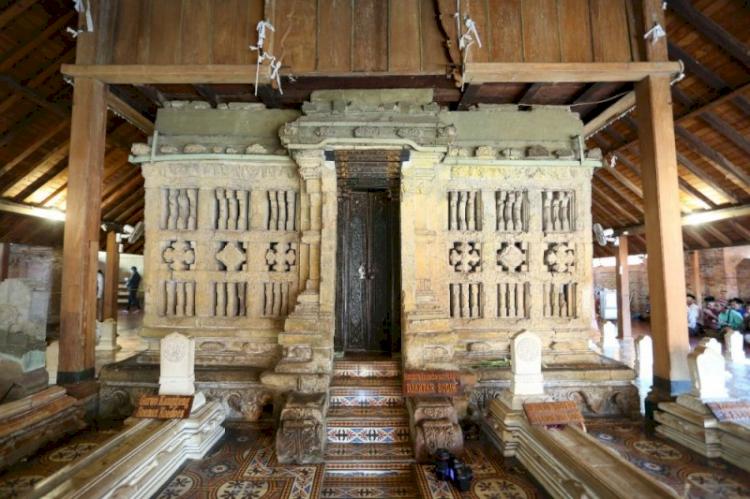 Inilah 7 Destinasi Wisata Religi Favorit di Jawa Tengah yang Wajib Dikunjungi, Sudah Pernah Kesini - Foto 5