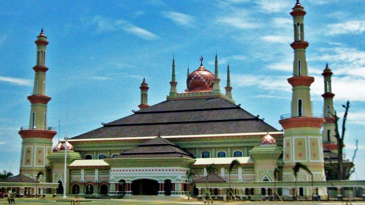 Berkunjung Yuk ke Masjid-masjid Indah dan Unik di Provinsi Banten - Foto 4