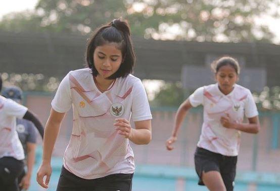 7 Foto Manis Rani Mulyasari, Gelandang Timnas Wanita Indonesia - Foto 6
