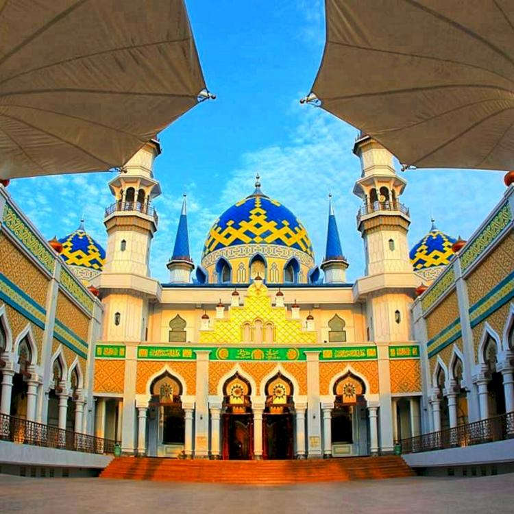 7 Destinasi Wisata Religi di Jawa Timur Ini Jadi Favorit Traveler Muslim, Kalian Sudah Kesini - Foto 2