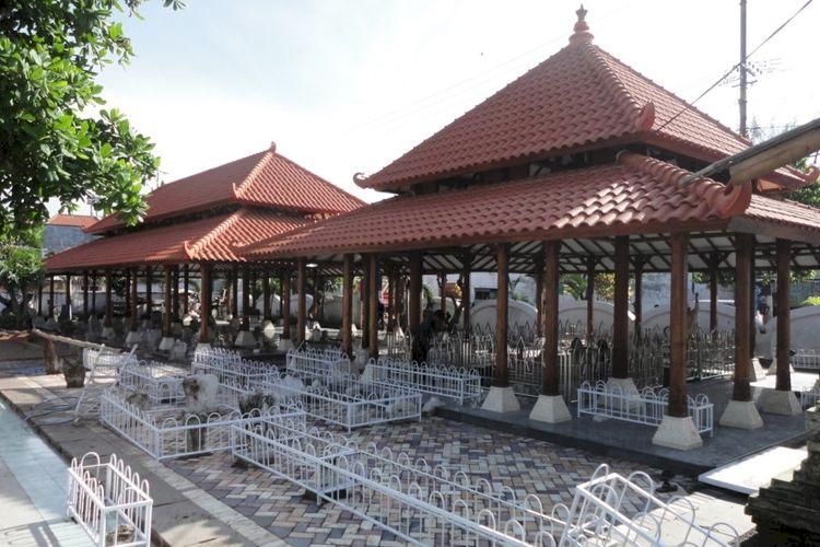 7 Destinasi Wisata Religi di Jawa Timur Ini Jadi Favorit Traveler Muslim, Kalian Sudah Kesini - Foto 3