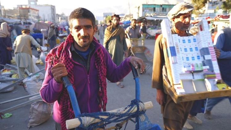 Saya Tidak Mampu Membeli Roto, Potret Warga Afganistan Melawan Kelaparan di bawah Taliban - Foto 1