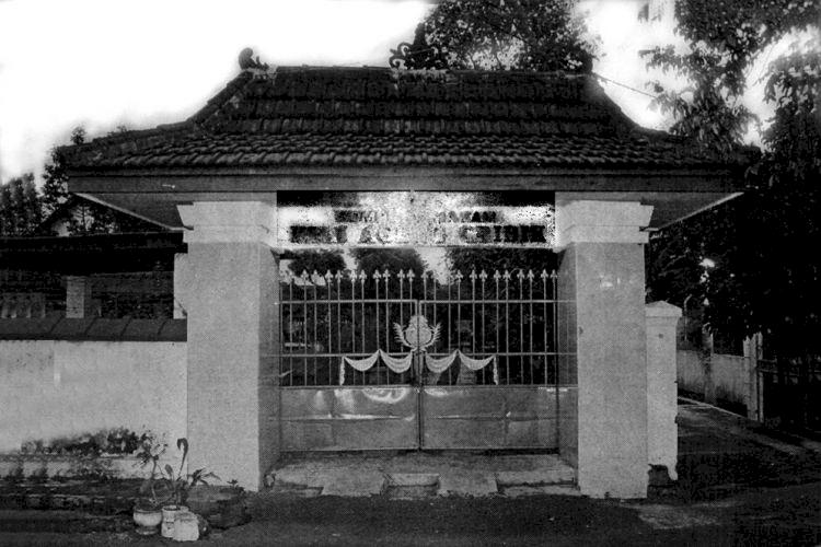 Ke Malang Jangan Lupa Kunjungi 4 Destinasi Wisata Religi Ini, Ada Masjid Mirip Taj Mahal Lho - Foto 4