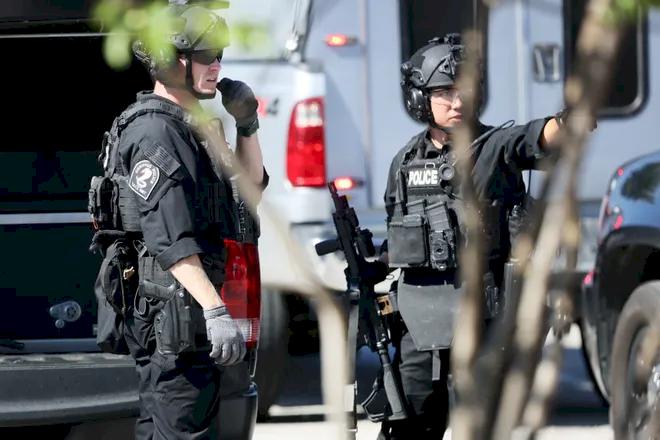 Teror Penembakan Terjadi di Suparmarket Tennessee, AS, 2 Tewas, 14 Luka - Foto 1