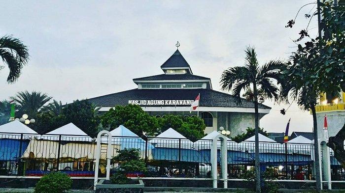 Ke Karawang Jangan Lupa Kunjungi 3 Destinasi Wisata Religi Ini, Ada Masjid Tertua di Pulau Jawa Lho - Foto 2