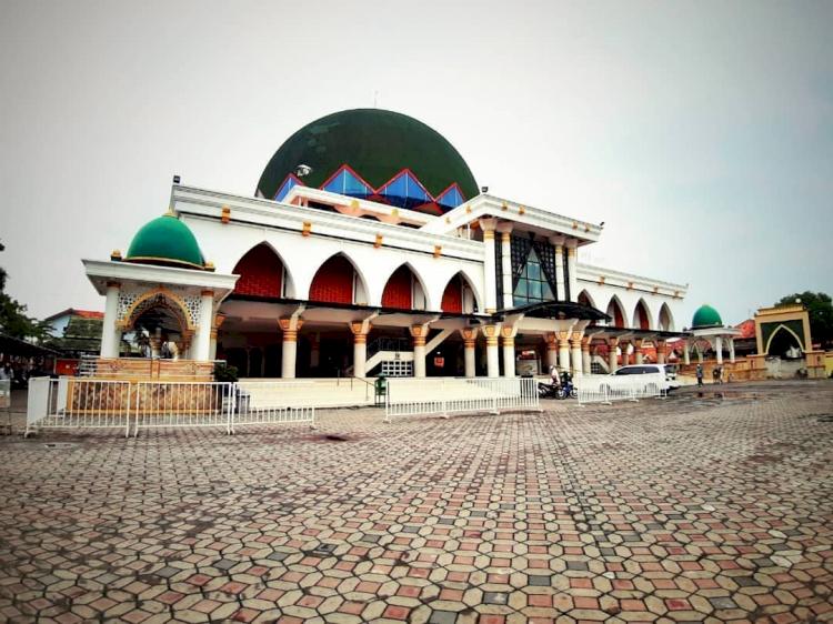 Inilah 3 Masjid Bersejarah Kebanggaan Masyarakat Madura, Yuk Lihat - Foto 3