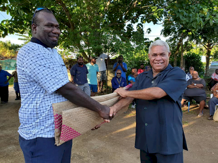 Serang Indonesia dengan Isu HAM Papua, 5 Fakta Menarik PM Vanuatu Bob Loughman - Foto 3