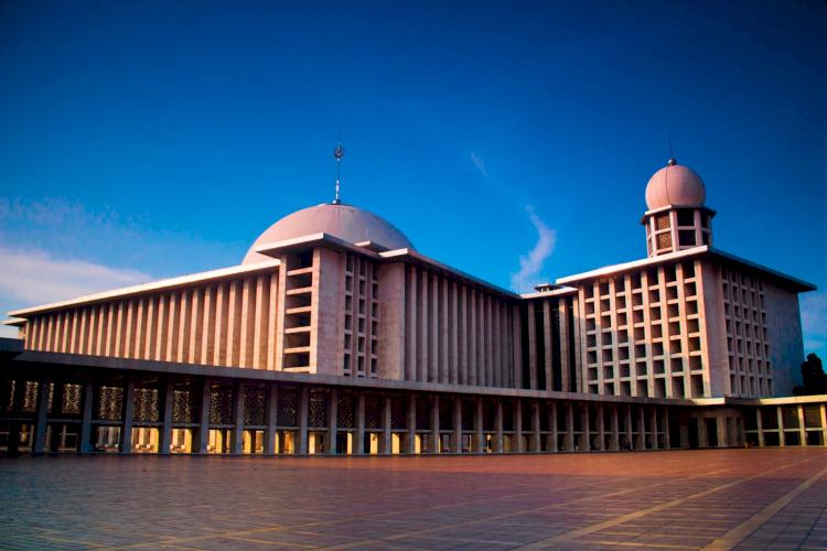 Sudah Tahu Belum 6 Masjid Ikonik di Jabodetabek Ini Miliki Arsitektur Unik dan Indah, Yuk Lihat - Foto 1